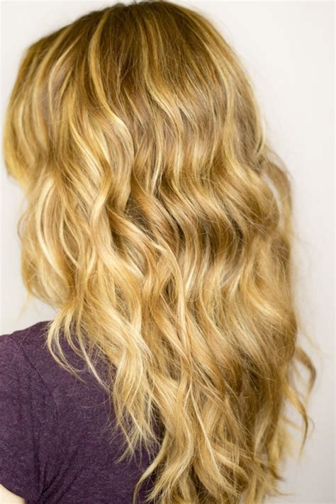 How To Get Messy Beach Waves With Straight Hair