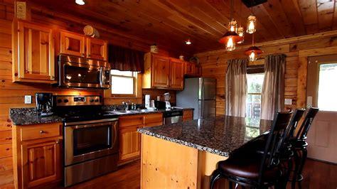 quot moonshine manor quot 5 bedroom luxury cabin in pigeon forge