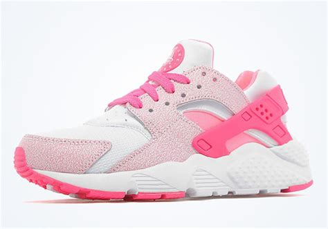 pink pattern huaraches nike air huarache gs quot pink pow quot sneakernews com