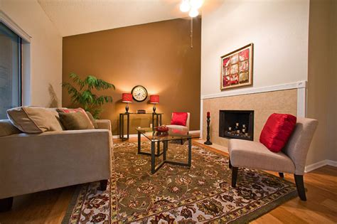 Accent Wall Ideas For Living Room | painting classic living room with accent wall painting