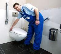 wc mit wasserreinigung h 246 chster patientenkomfort im klinikzimmer geberit dusch