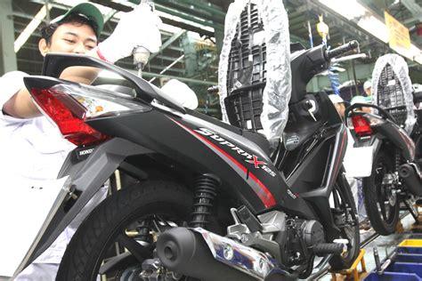Lu Supra 125 Rajanya Motor Bebek Honda Supra X 125 Peroleh Facelift Warna Baru Quatum Matte Black Tmcblog