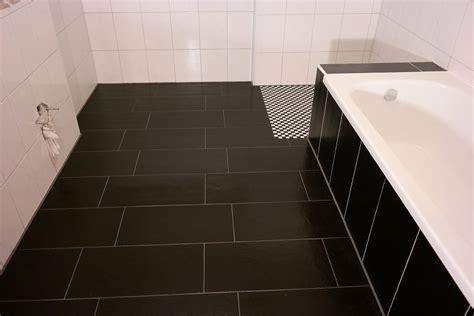 Schöne Geflieste Badezimmer by Badezimmer Schwarz Geflieste Badezimmer Schwarz