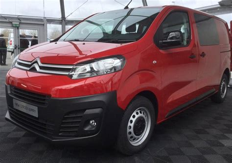 new citroen dispatch new citro 235 n dispatch and peugeot expert revealed van advisor