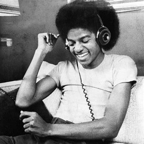 Get On The Floor Michael Jackson michael jackson get on the floor kon extended remix dj rahdu