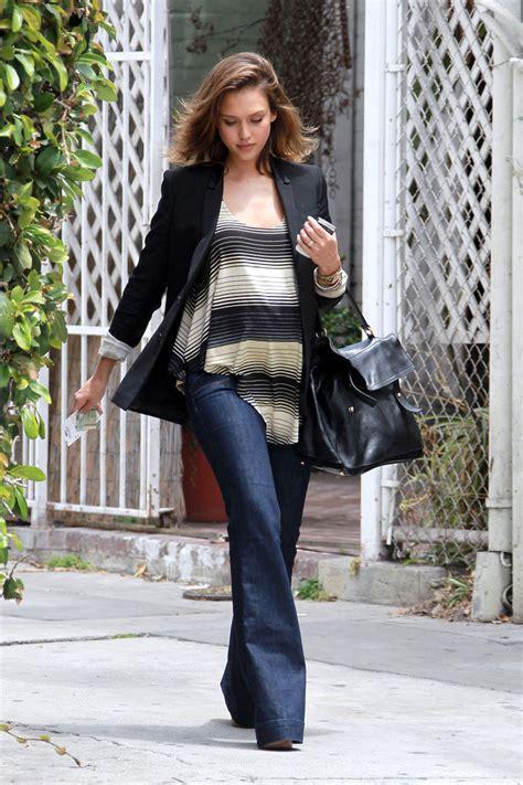 jessica alba flare jeans jessica alba flare jeans jessica alba jeans looks