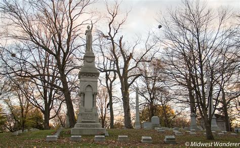 forest home cemetery paying respects to milwaukee