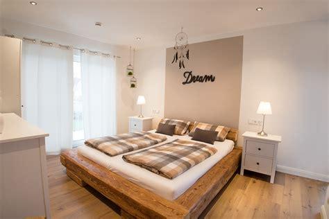 rustikales schlafzimmer rustikales schlafzimmer im landhausstil fischerhaus