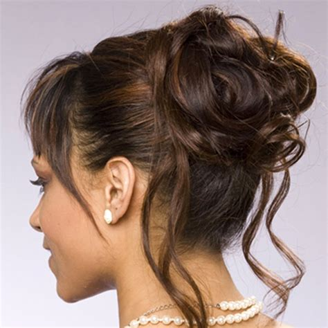 wedding hairstyles for medium length hair half up romantic half updo wedding hairstyle for thin hair bride
