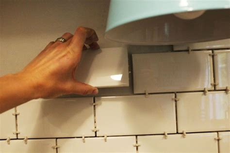 install  subway tile kitchen backsplash