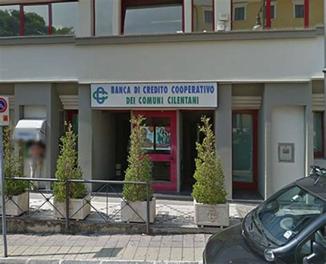 banca di credito cooperativo dei comuni cilentani rapina a mano armata alla banca bcc dei comuni cilentani