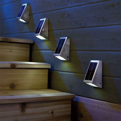 Motion Sensor Led Light Outdoor - 7 أفكار للإضاءة لتزيين درج السلالم منتديات درر العراق