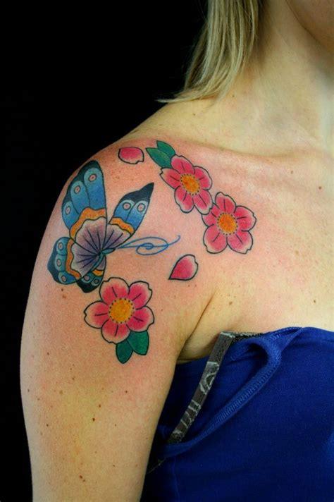 foto tatuaggi farfalle e fiori fiori farfalle tatuaggi disegni immagini e foto tatuaggi