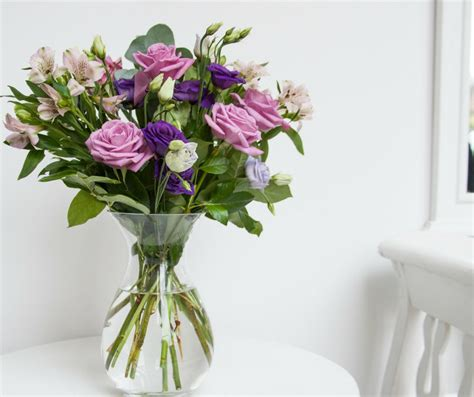 flowers in a vase how to choose the vase for your flowers interflora