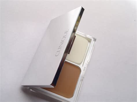 Clinique Even Better Makeup And Correct Foundation clinique even better compact makeup spf 15 review