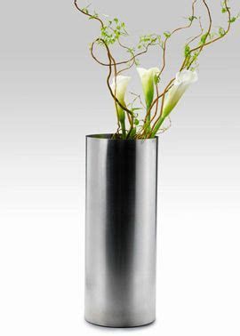Flowers In Cylinder Vases by 15 Best Images About Modern Flowers On