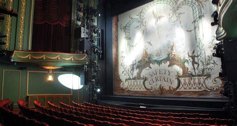 piccadilly theatre london  death   salesman
