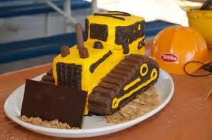 bagger kuchen kindergeburtstag mottoparty baustelle mit bulldozer