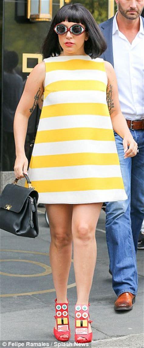 Mini Dress Irithel Square Bordir gaga takes a stroll with kinney