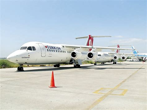 turkish airlines contact romania turkish airlines in talks to takeover romanian carrier