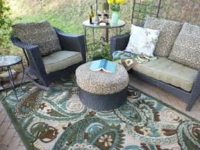 outdoor rugs make springtime cozy mohawk homescapes