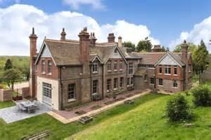 Inside cate blanchett s new 4 5 million english manor pursuitist