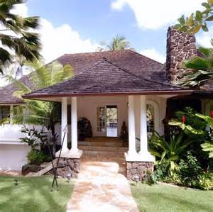 Hawaiian Style Homes by This Oversized Gabled Porch With The Distinctive Hawaiian