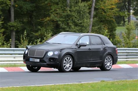 bentley bentayga 2016 interior 2016 bentley bentayga suv interior revealed in
