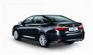 Price Of Toyota Camry In Delhi Toyota Camry Hybrid Price Slashed By Inr 2 3 Lakhs In Delhi