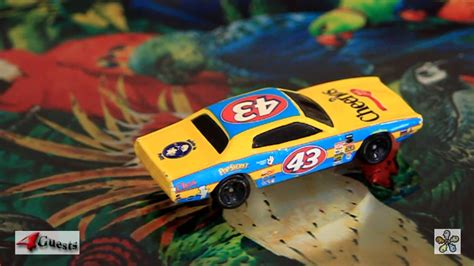 Hotwheels Wheels 74 Dodge Charger Hijau richard petty 43 1974 dodge charger hotwheels cheerios car