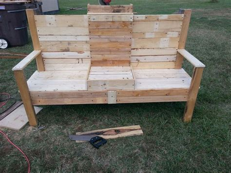 benches made out of pallets bench out of old pallets things that i made pinterest