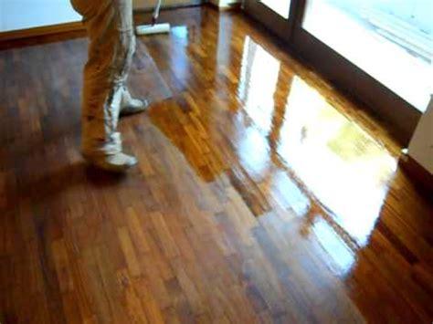 Parkett Polieren Per Hand by Parquet Levigatura Sander Wood Floor Limpiar Piso En M
