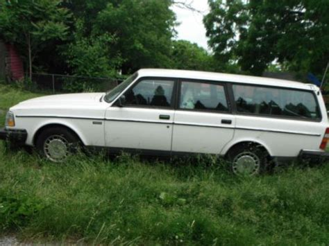 sell   volvo  base wagon  door   hagerstown maryland united states