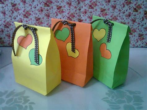 How To Make A Small Paper Gift Bag - diy 1 paper bags for gift