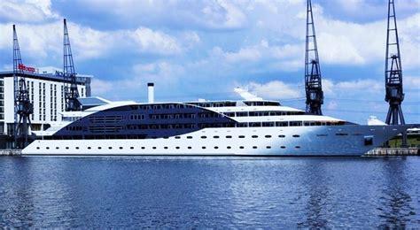 yacht vs boat retro gaming vs silent disco the mega yacht party
