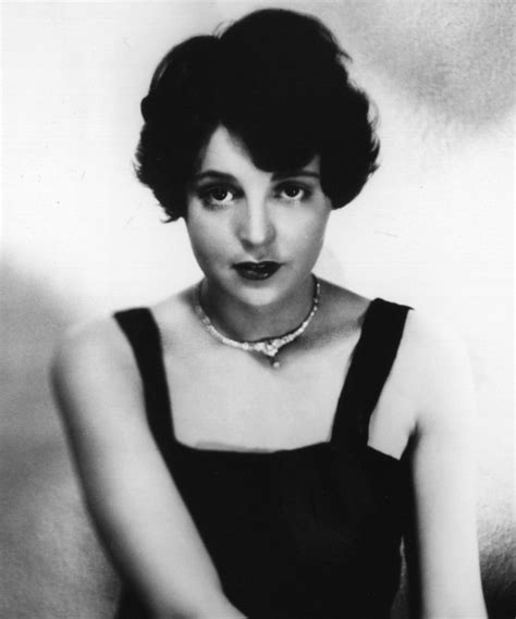 1920s shingles bob haircut images 1000 ideas about sport hairstyles on pinterest softball