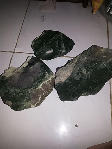 Batu Bacan Ternate jual bongkahan batu bacan asli ternate baru batu akik