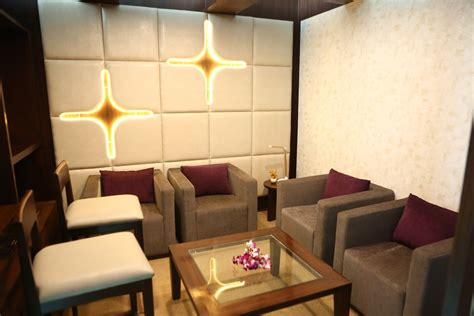 In The Vip Room by Pictures Of The New Vistara Lounge At New Delhi Igi
