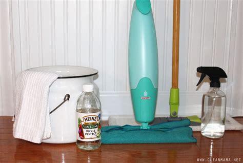 ways  clean hardwood floors  vinegar clean mama