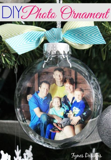 photo on ornament 40 diy ornaments to decorate the tree