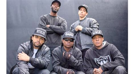 Nwa Compton academy explains why outta compton cast not