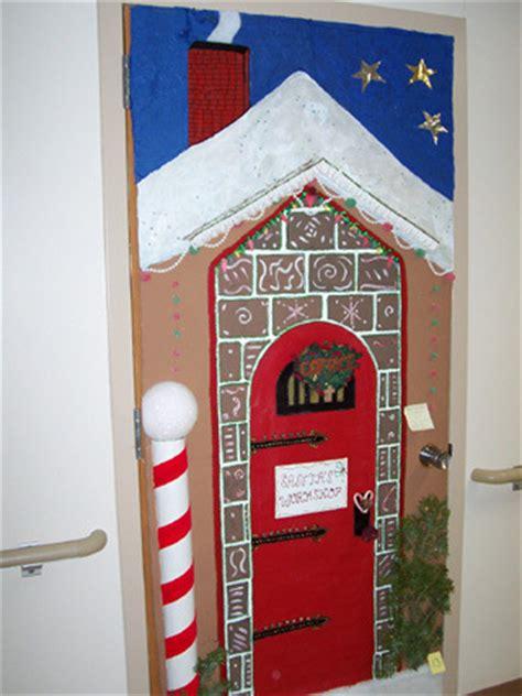 santas house of games xmas door decoration craftionary