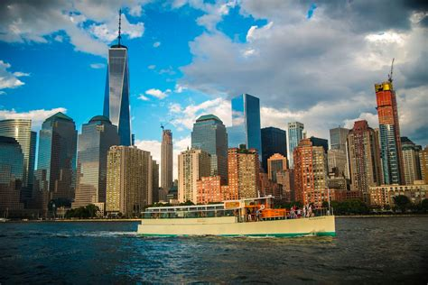 private boat ride nyc nyc sightseeing boat ride classic harbor line classic