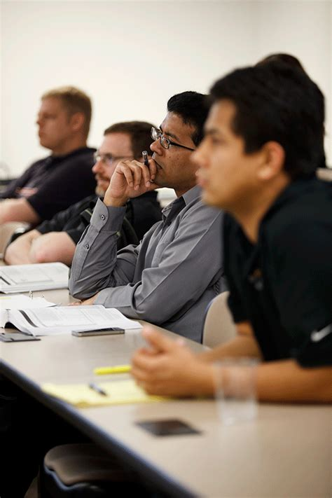 Wsu Honorary Executive Mba by Executive Mba Emba Course Schedule Wichita State