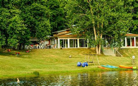 Camping bord de lac Camping avec etang de peche et piscine Nérac