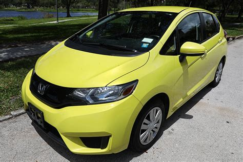 Cheap Cars For Students by The 8 Best Cars For College Students Who Don T Want A Beater