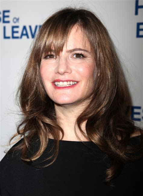 jennifer jason leigh new show jennifer jason leigh hugo weaving join cast of showtime