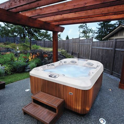 buy jacuzzi bathtub buy jacuzzi s j425ip hot tub at outdoor living 163 12999