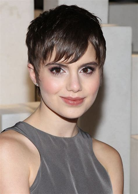 womens hair cuts for on blue bloods sami gayle s short haircut growing out pixie cut for