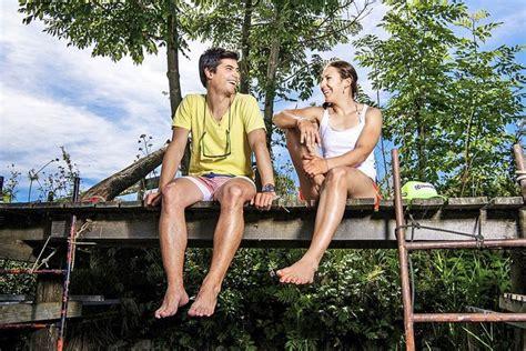2 Meter Feet Wendy Holdener Ski Mit Bruder Und Familie Fotos Nicht